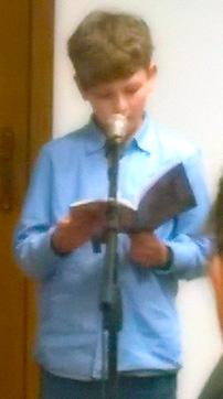 млади пјесник пред публиком